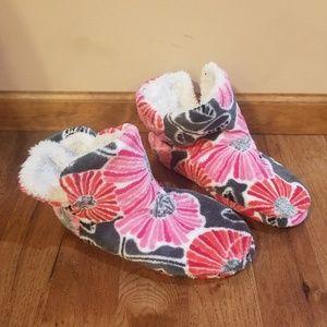 Vera Bradley flowery slippers 9/10